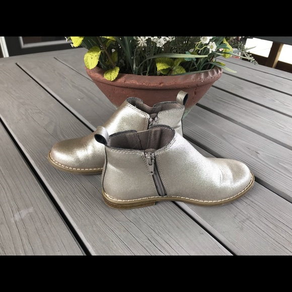 GAP Other - Gap Girls' Metallic Silver Ankle Booties